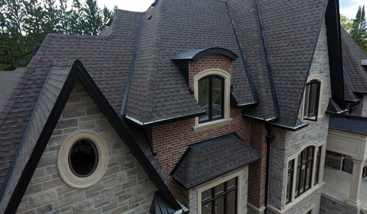 Residential house Shingles material roof , Toronto
