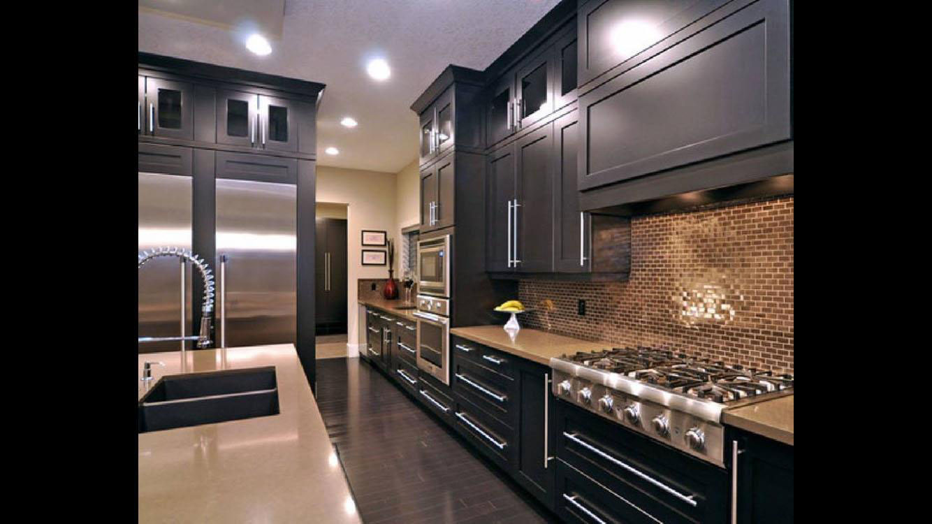 Traditional reach gray kitchen by Rimaco Interiors