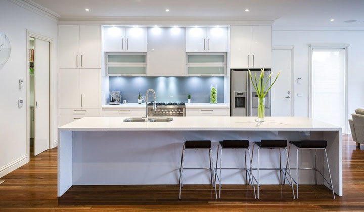 Modern kitchen by Focus Cabinetry, Kitchen design and renovation
