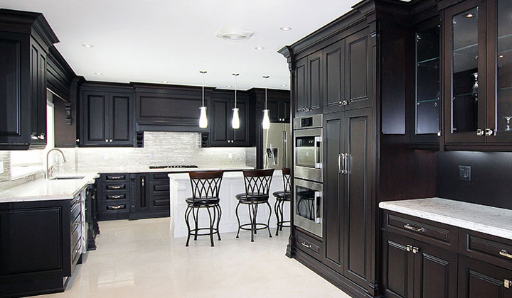 Complete kitchen design and renovation by Joseph kitchens, North York