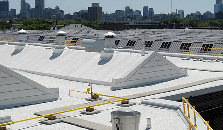 Commercial roofing specialist, Toronto