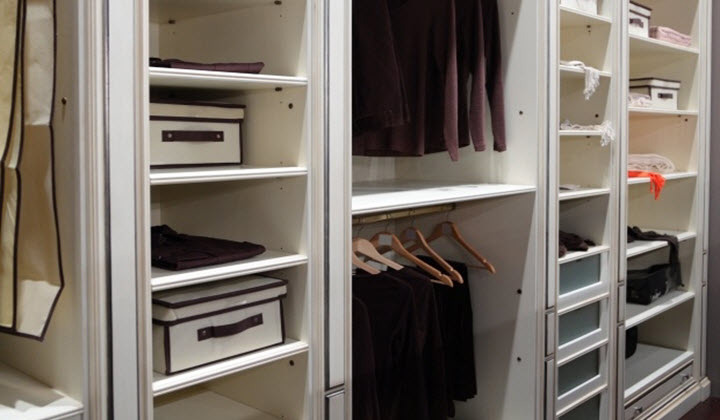 Reach-in custom closet, Aurora