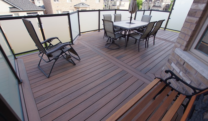 Tiger Wood Composite Deck with Glass Railings