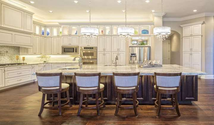 Custom Made Kitchen by Star Woodworking
