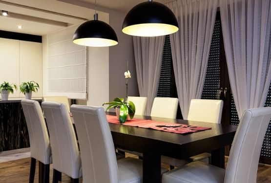 Design a Luxurious Dining Room with the help of these 7 Improve Showrooms
