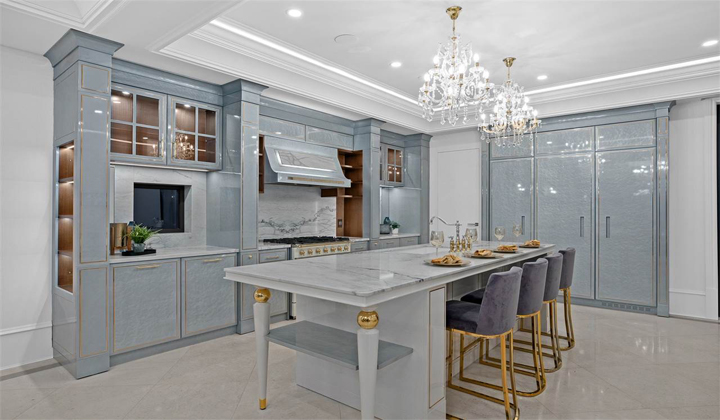 Luxury kitchen with unique design and finishes in Essenza style by Martini Interiors, Vaughan