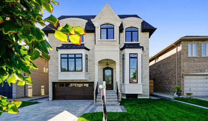 Custom Home by MERSHIRE Building Company, Toronto